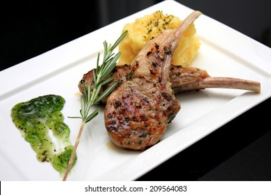 Seared Lamb Chops with Mashed Potatoes and Mint Sauce