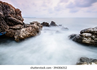 Seascape of a wave that tranform to a fog.
