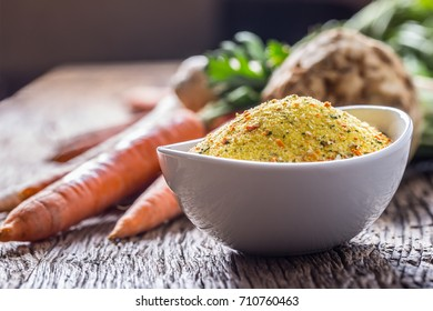 Seasoning spices condiment with dehydrated carrot parsley celery parsnips and salt with or without glutamate.