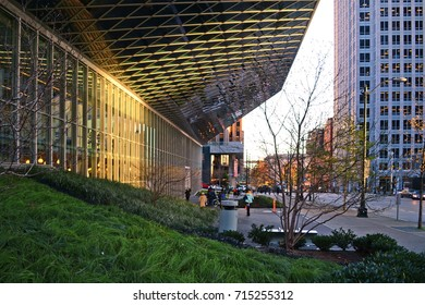 Seattle 2013, street view of the exterior facade of the public library with its bulging volumes and steel net structure, here the view from under the big canopy