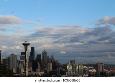 Seattle, a city on Puget Sound in the Pacific Northwest, is surrounded by water, mountains and evergreen forests. View from Kerry Park. Washington State, USA.