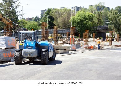 SEATTLE - JUN 26 - Construction workers lay the foundation  of a new shopping mall  on Jun 26, 2012, in Seattle.