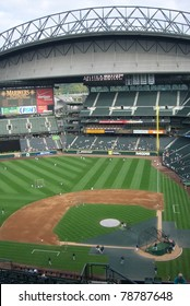 SEATTLE - SEPTEMBER 15: Safeco Field, home of the Mariners on September 15, 2007 in Seattle, WA. Opened in 1999 at a cost of $517.6 million, it has a roof that closes in 10 minutes and seats 47,116.