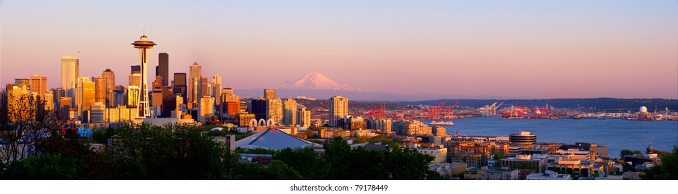 Seattle skyline with Space Needle and Mt. Rainier