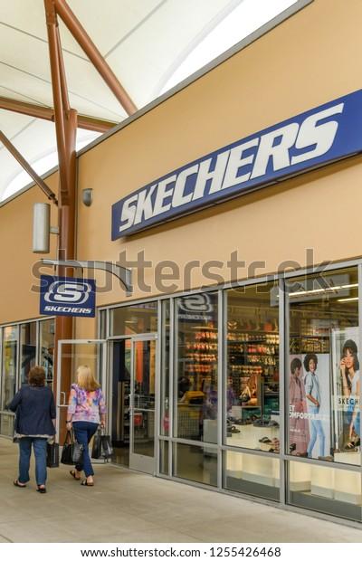 Seattle Wa Usa June 2018 Shoppers Stock