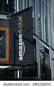 """Seattle, Washington / USA - August 15 2019: """"Amazon 4-Star"""" store for highly rated online products, at the company headquarters in downtown Seattle"""