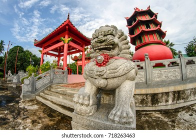 Sebong Pereh Bintan,Jun 2016: Sangharama Monastery have two giant statue, one is the magnificent 'Guan Sheng Di Jun', the biggest of its kind in southeast asia and statue is the giant turtle statue