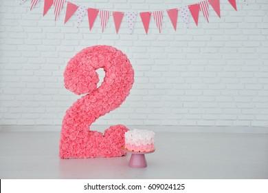 second birthday smash the cake