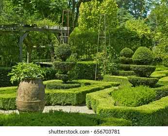 The Secret Garden in Arboretum with Topiary garden