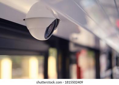 Sicherheitskamera für die Überwachung im öffentlichen Verkehr
