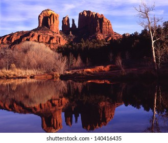 Sedona, Arizona, Famous vacation spot for the whole family/Sedona/Perfect place for mild weather, red rock formations, open spaces, water recreation sports, shopping, hiking and natures beauty.