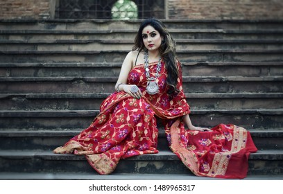 Seductress in saree - Indian ethnic wear