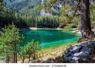 """""""Grüner See / Emerald lake"""" in the """"Hochschwab"""" mountainrange, Styria, Austria on a clear day"""