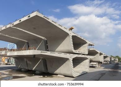 segments of long span bridge box girder