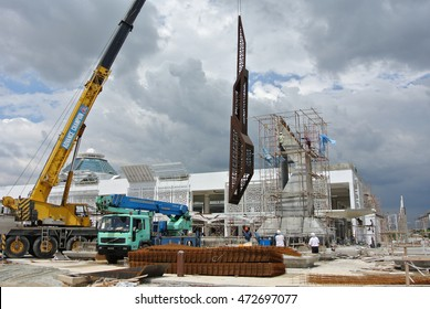 SELANGOR, MALAYSIA -AUGUST 11, 2016: Mobile crane is the heavy machine used to lifting heavy material at construction site.
