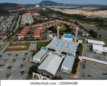 SELANGOR, MALAYSIA – September 8, 2018: Aerial view of interior of Puncak Alam Mosque in Puncak Alam, Malaysia.