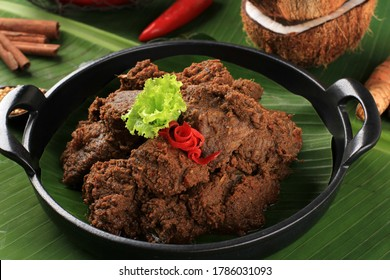 Selected Focus Rendang or Randang is The Most Delicious Food in the World. Made from Beef Stew and Coconut Milk with Various Herbs and Sice. Typically food from Minang Tribe, West Sumatera, Indonesia