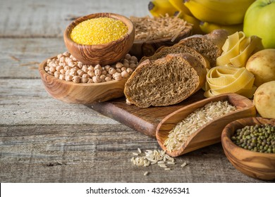 Selection of comptex carbohydrates sources on wood background