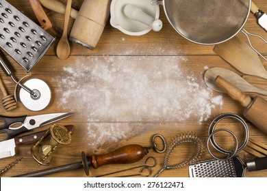 Una selección de utensilios de cocina con espacio para texto
