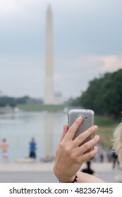 Selfie with smartphone at Washington Monument