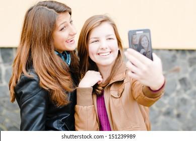 Teen cell phone selfshot pics