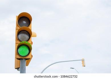 Semaphore in green