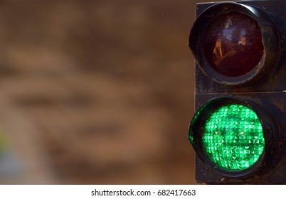 semaphore green light