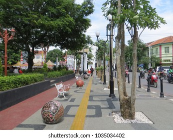 SEMARANG, INDONESIA - February 8, 2018: Pedestrian sidewalk in Kota Lama.