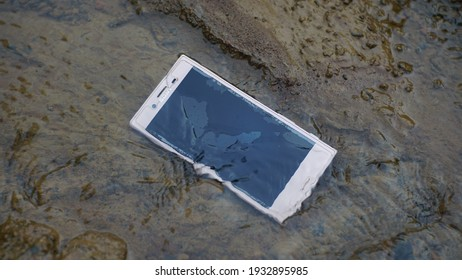 Semarang, Indonesia - Maret 3rd, 2021: Waterproof Sony smartphone. IP68