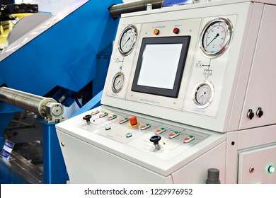 Semi automatic control system test bench