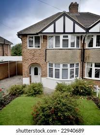 semi detached house exterior view
