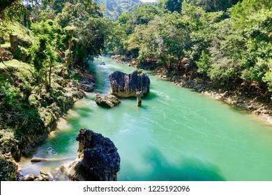Semuc Champey, Guatemala - 2018.11.06 - Rocks in the river
