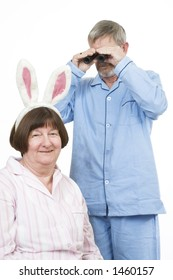 Senior couple 9, where is the rabbit?
