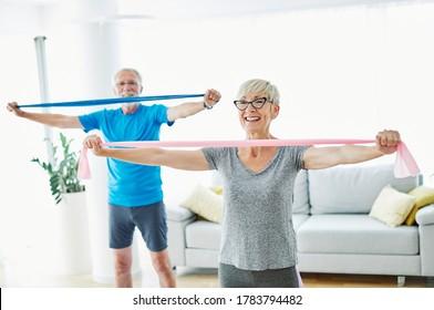 Elternübung gemeinsam im häuslichen Gesundheitswesen
