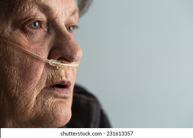 Senior woman with Chronic obstructive pulmonary disease with supplemental oxygen