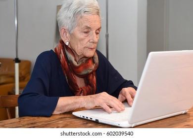 Senior woman of computer
