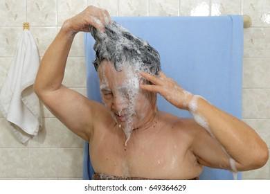 Senior woman wash hair