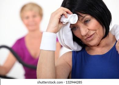 senior women in the gym
