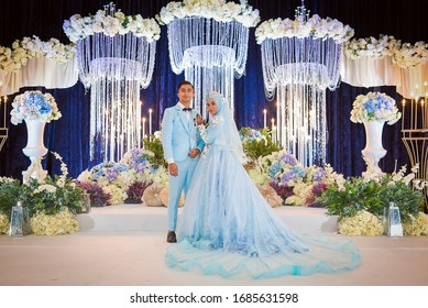 Sentul , Kuala Lumpur , Malaysia - 1st December 2019 - The bride is doing a romantic posing during their wedding day. Malaysian Marriage Ceremony That's Full Of Tradition And Culture