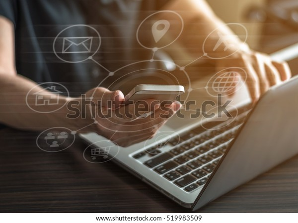 SEO Internet-Marketing e-Commerce, Online-Banking-Zahlung und Voice-over-Internet-Protokoll-Technologie auf Smartphone-Gerät alle App über den digitalen Computer-Kommunikations-Business-Service