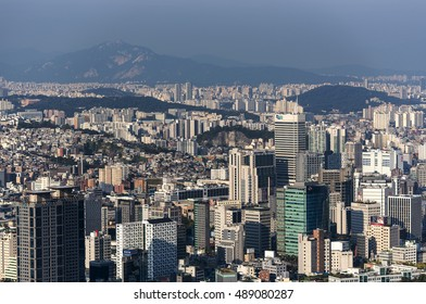 SEOUL - SEPT 26: View of downtown cityscape in Seoul on September 26. 2016 in South Korea