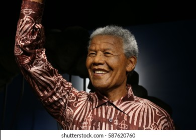 SEOUL, SOUTH KOREA - 07 FEB  2017 : The Art Wax Of Nelson Mandela at Grevin Seoul.  Nelson Mandela is President of South Africa and The Grevin Seoul is a waxwork museum in Seoul, South Korea