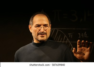 SEOUL, SOUTH KOREA - 07 FEB  2017 : The Art Wax Of Steve Jobs  at Grevin Seoul Museum.  The Grevin Seoul is a waxwork museum in Seoul, South Korea