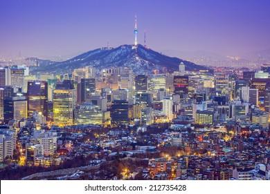 Seoul, South Korea city skyline at twilight.