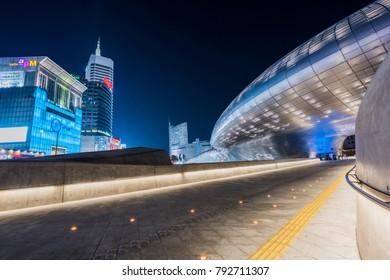 SEOUL, SOUTH KOREA - February 19 2017 : peoples outside Dongdaemun Design Plaza (DDP) is a major urban development landmark in Seoul, South Korea on February 19 2017
