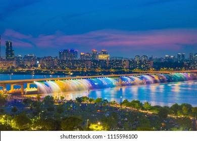 Seoulcity South Korea.Rainbow fountain show at Banpo Bridge in Seoul, South Korea.