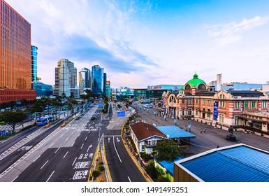 Seoul,South Korea -August 30, 2019: Seoullo 7017 Botanical Skyline park ,Sunrise and viewpoint of Seoul Station Square and  traffic in Seoul, South Korea.