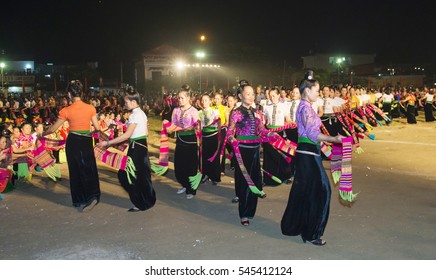 """Sep 17, 2016: The ethnic Thai woman in Yen Bai province, Vietnam in their ethnic costumes performing dances """"XOE"""".These are the speciality dances are often performed during the important festival."""