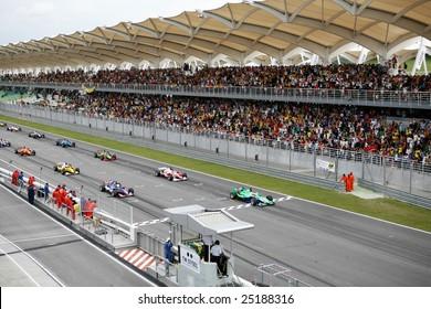 Sepang, MALAYSIA - 23 November: Teams lined up on the starting grid at the start of the World A1 GP championship races. 23 November 2008 in Sepang International Circuit Malaysia.