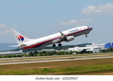 SEPANG, MALAYSIA - AUGUST 5: Malaysia Airline plane Boeing 737-800, Registration name 9M-FFD, take-off at KLIA airport on August 5, 2014 in KLIA, Sepang, Malaysia.